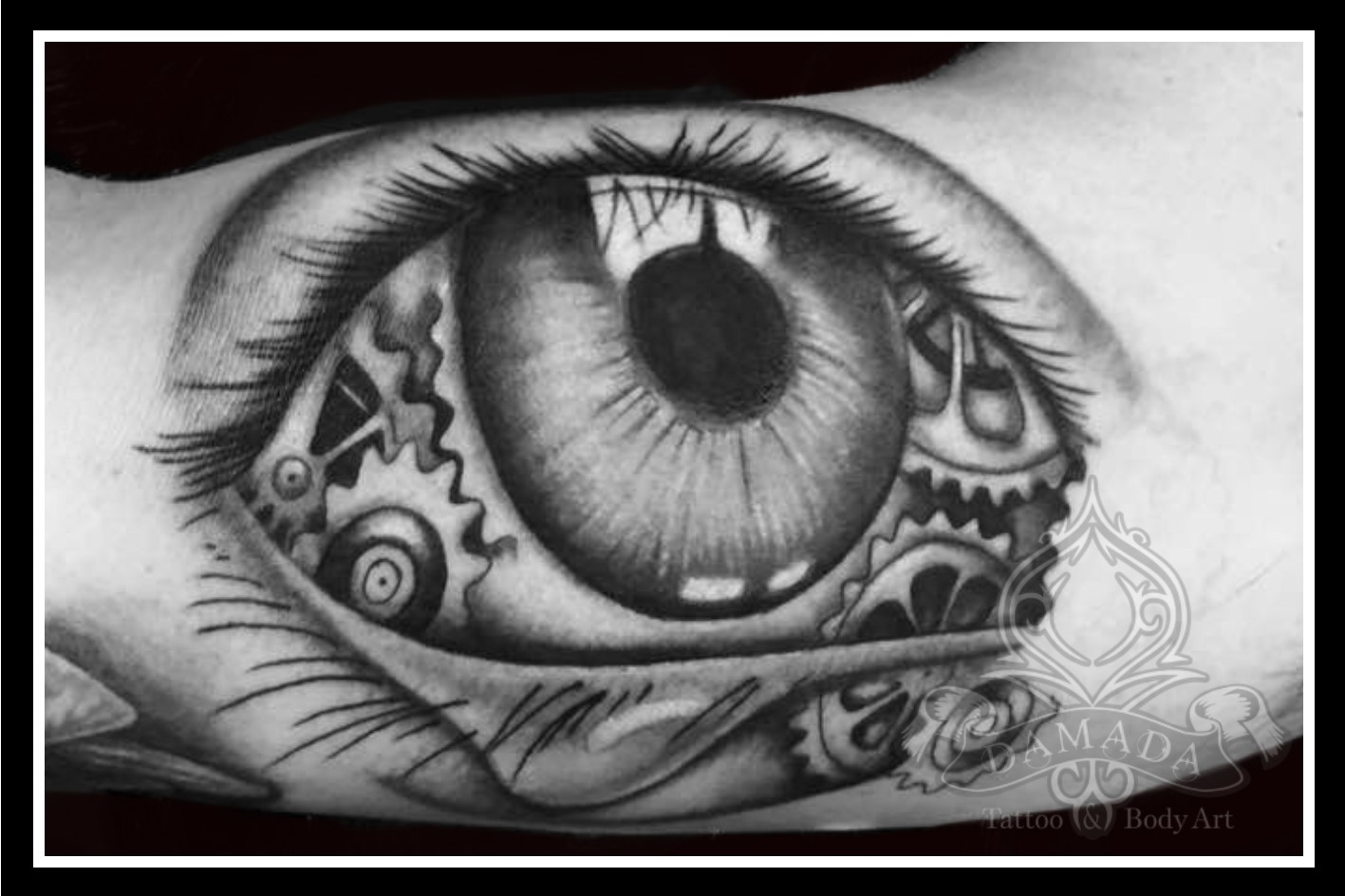 Eye realistic